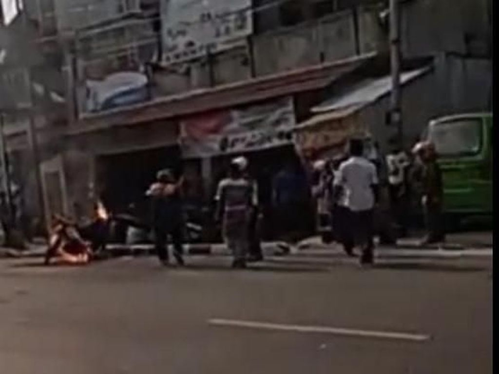 Pemuda Bakar Motor Gegara Ditilang, Polisi: Kendaraannya Bodong