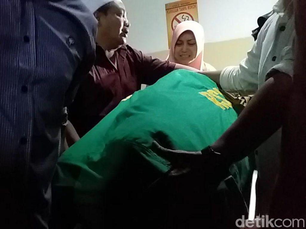 Jenazah Fuad Amin Dibawa ke Rumah Duka di Bangkalan Madura