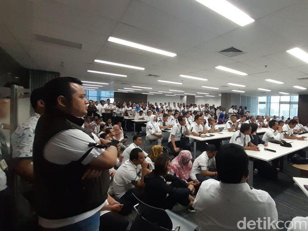 Ratusan Karyawan Sriwijaya Air Kumpul di Kantor Pusat, Ada Apa?