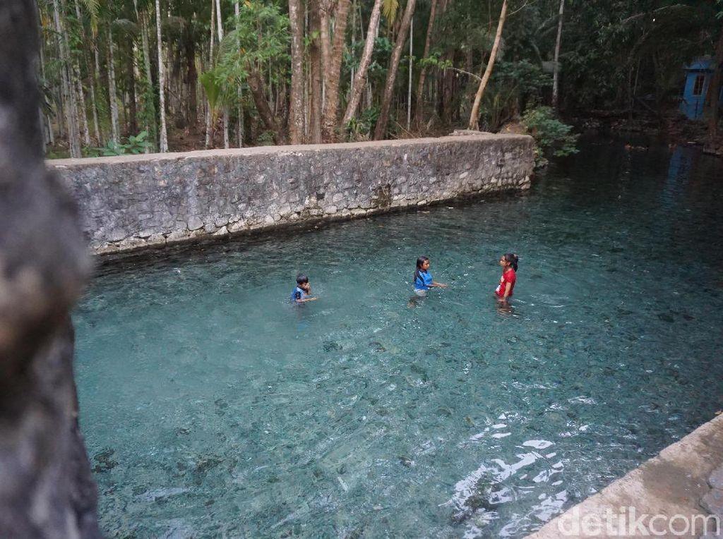 Foto: Tempat Mandi Paling Indah di Selatan Indonesia