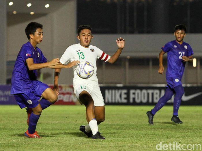 Timnas Indonesia U-16 meraih kemenangan perdananya di Kualifikasi Piala Asia U-16 2020. Garuda Asia menghajar Timnas Filipina U-16 dengan skor 4-0.