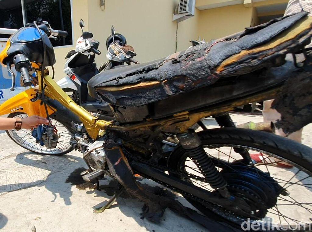 Balada Ohang, Tak Terima Ditilang Bakar Motor