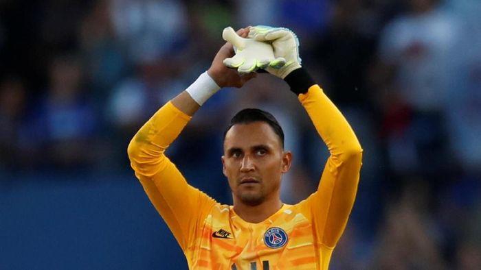 Keylor Navas kini menatap hidup baru bersama Paris Saint-Germain (Gonzalo Fuentes/Reuters)
