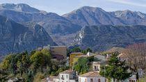 Foto: Pindah ke Desa-desa Italia, Dibayar 380 Juta
