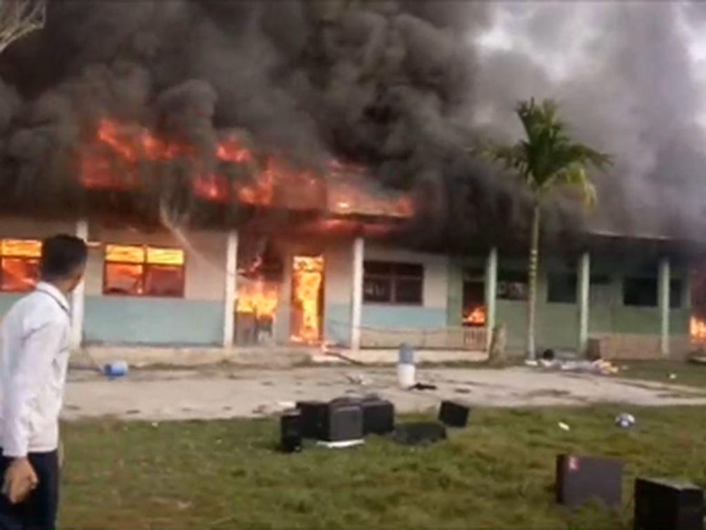 Dipicu Api dari Tempat Sampah, Ruang Madrasah di Sulbar Ludes Terbakar