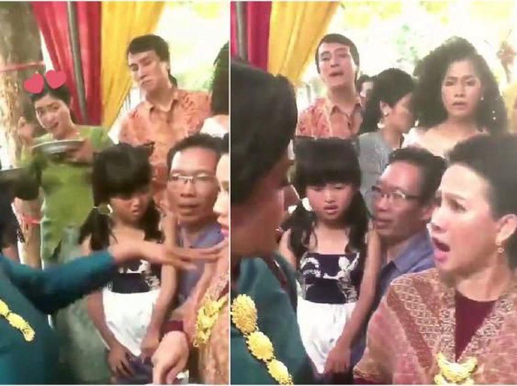 Viral Video Ibu-Ibu Rebutan Rendang, Netizen : Lagi Syuting Sinetron Kali