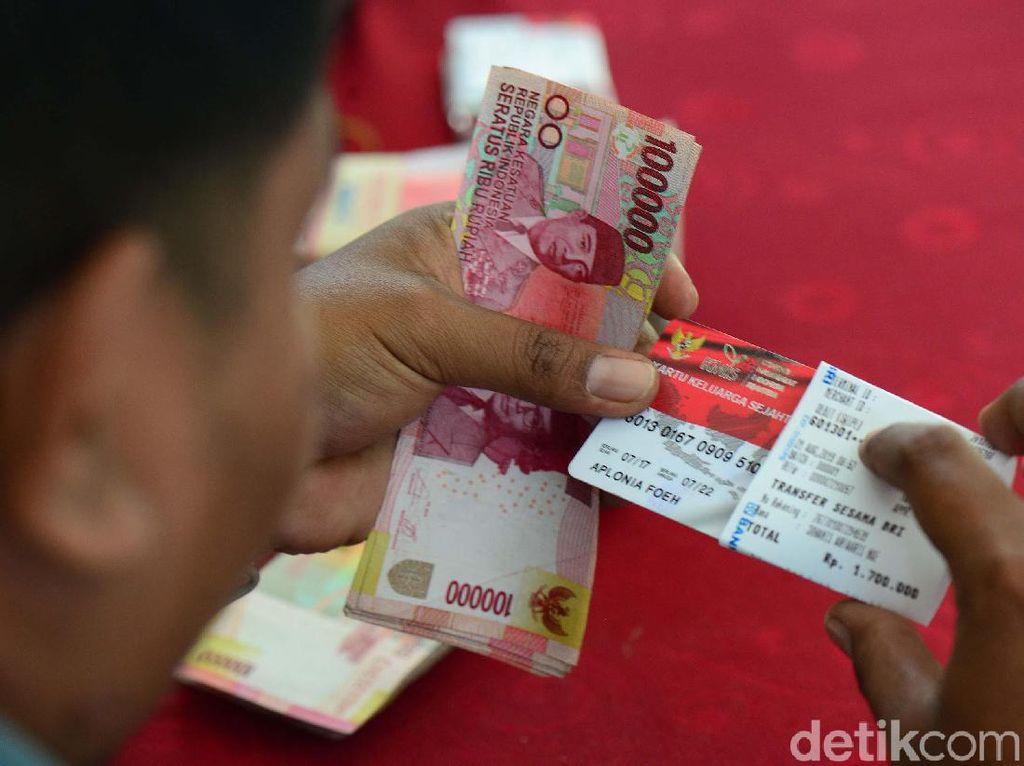Buruan! Cek Bansos Rp 300 Ribu & PKH Mei di cekbansos.kemensos.go.id
