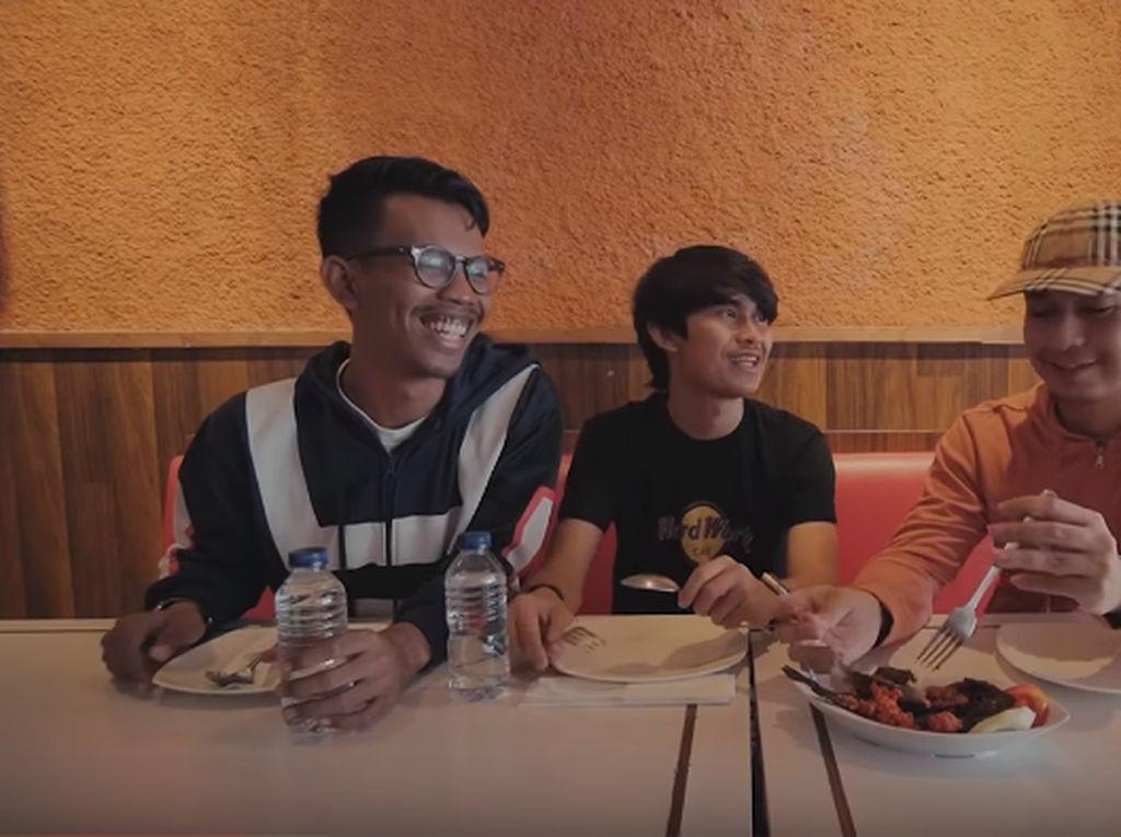 Komika Raditya Dika, Pandu dan Indra Jegel Ulas 5 Makanan Batak, Ini Hasilnya