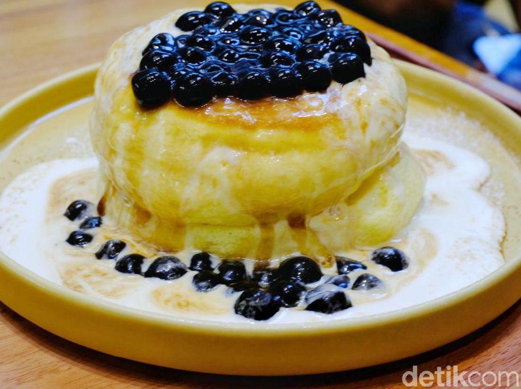 Pan & Co. : Antre Demi Lembut Fluffy Pancake Jepang Topping Boba