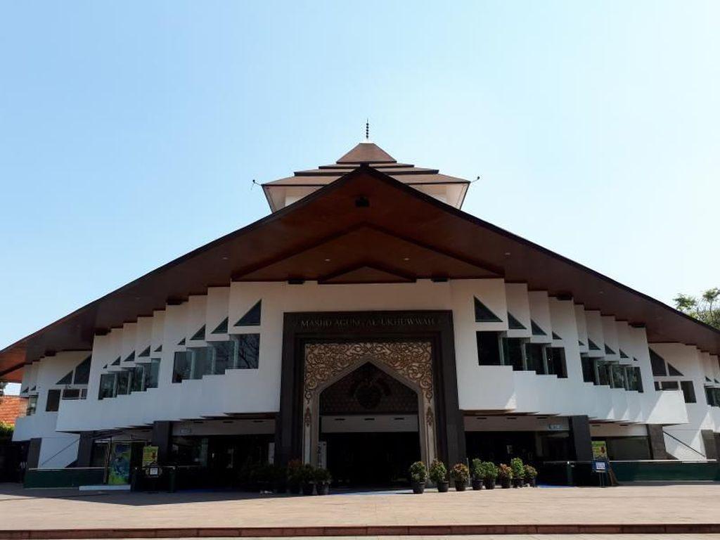 Kisah Gedung Setan di Bandung, Sekarang Jadi Masjid Cantik