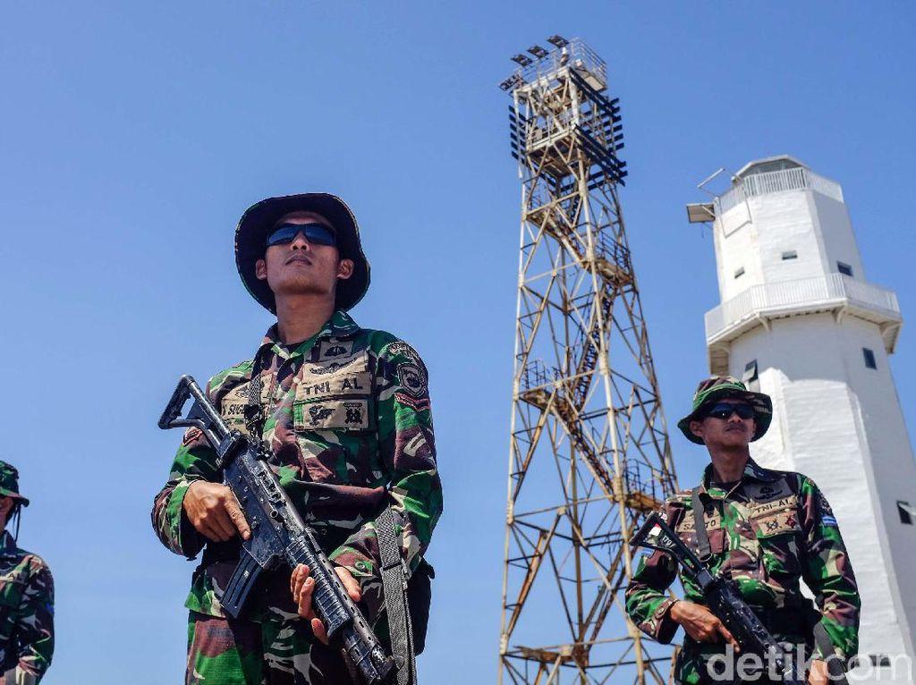 Tinggi Menjulang Menara Pantau di Pulau Paling Selatan RI