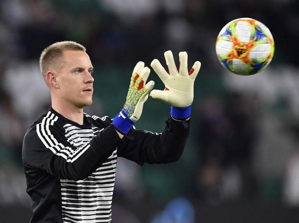 Jika Ter Stegen Gusur Neuer, Bayern Tolak Lepas Pemain ke Timnas Jerman