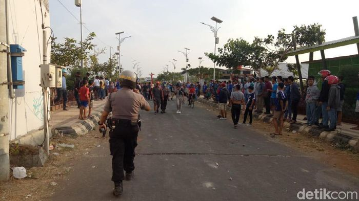 Kerusuhan di Piala Soeratin 2019 pada Persiku Kudus melawan PErsijap Jepara. (Foto: Akrom Hazami/detikcom)