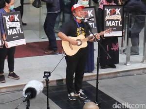 Cerita Mosi Tidak Percaya, Lagu ERK yang Dikumandangkan saat Demo