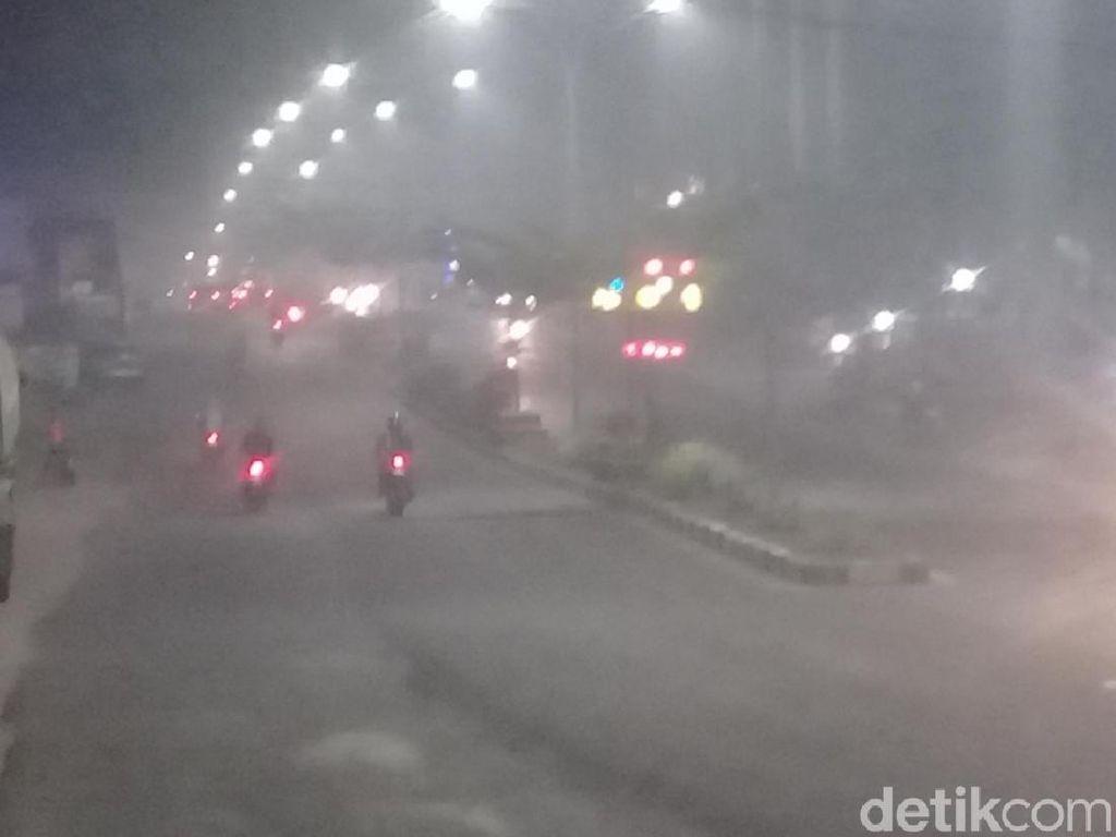 Udara di Jambi Malam Ini Berbahaya, Warga: Asap Sampai ke Dalam Rumah