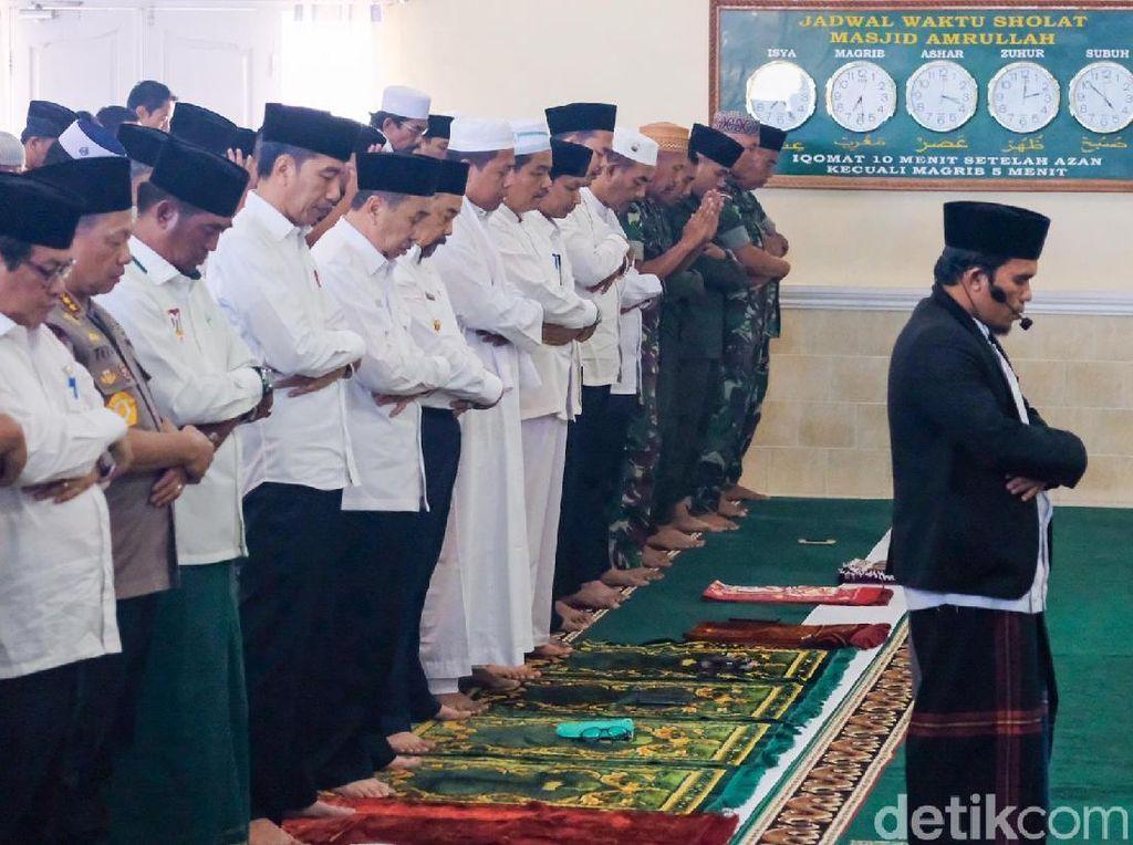 Riau Darurat Kabut Asap, Jokowi Gelar Salat Minta Hujan