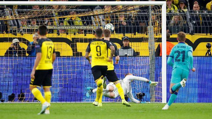 Borussia Dortmund vs Barcelona tuntas tanpa gol. (Foto: Wolfgang Rattay/Reuters)