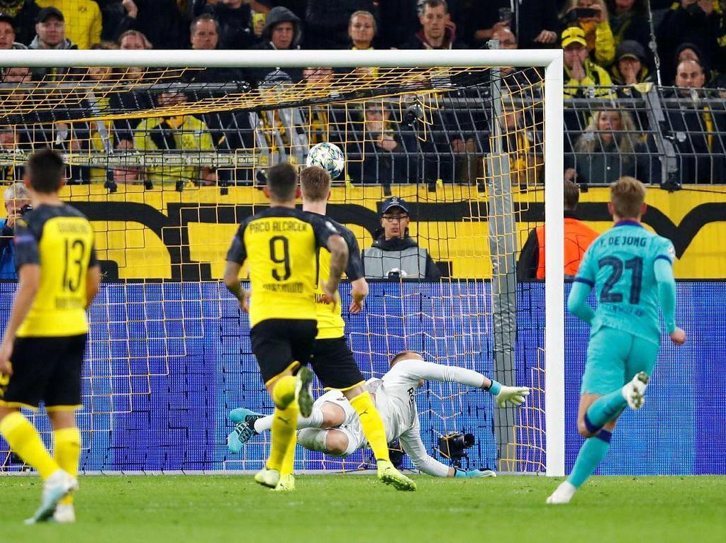 Ter Stegen Gagalkan Penalti Reus, Dortmund Vs Barca Berakhir Imbang