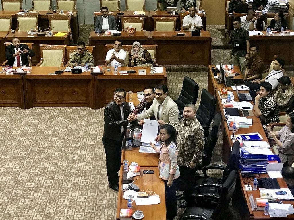 DPR-Pemerintah Setujui RUU KUHP, Siap Disahkan