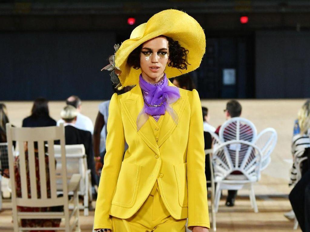 Foto: 15 Busana Warna-warni Marc Jacobs di New York Fashion Week