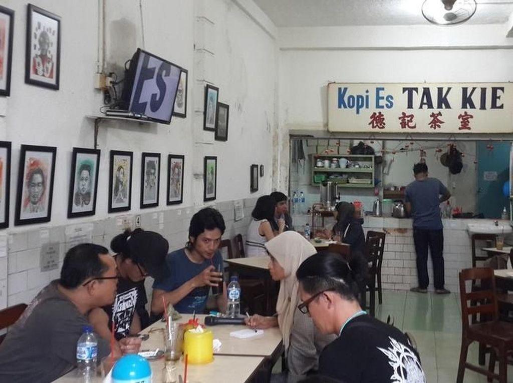 Di Jakarta Barat Bisa Makan Enak di Resto Legendaris dan Kafe Kekinian