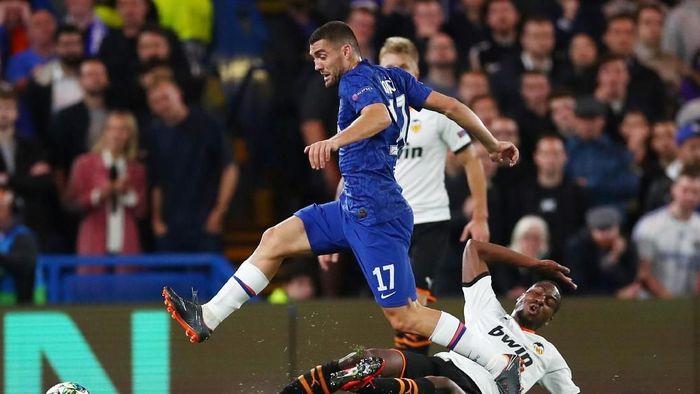 Chelsea kalah di kandang meski mendominasi laga menjadi pelajaran kejam untuk pemain (REUTERS/Eddie Keogh)