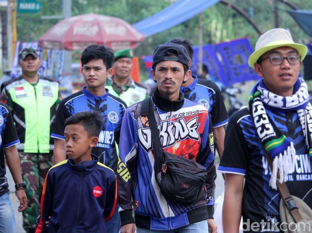 Jelang Lawan Arema, Kapten Persib kepada Bobotoh: Ayo Birukan Stadion!