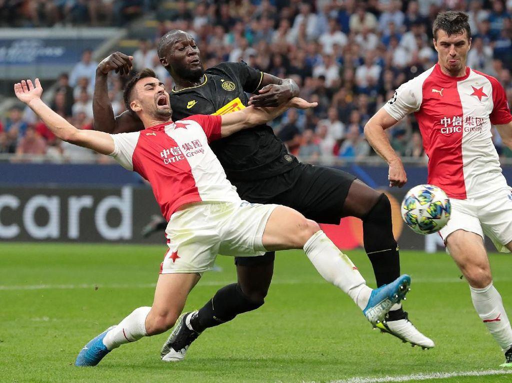 Skriniar: Inter Milan Ketiduran Lawan Slavia Praha