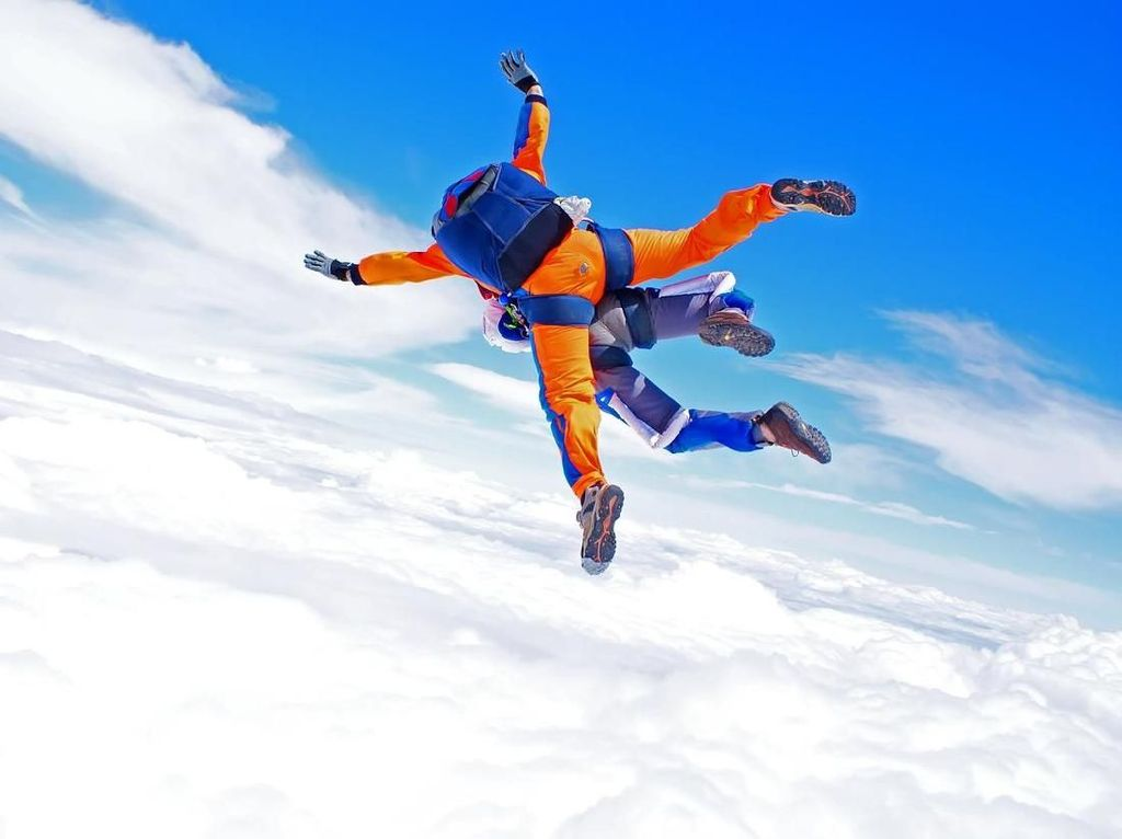 Skydiver Tewas Akibat Parasut Gagal Ngembang, Perumahan ala Sultan