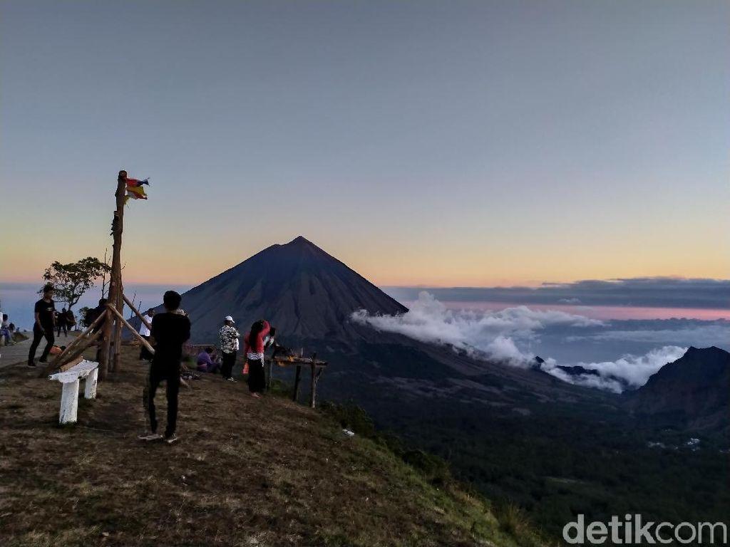 Foto: Bukit Wolobobo yang Viral di Medsos
