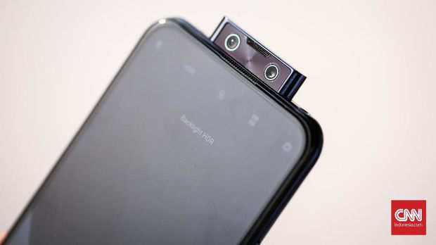 SpesifikasVivo V17 Pro dengan Dua Kamera Selfie Pop-up 32 MP