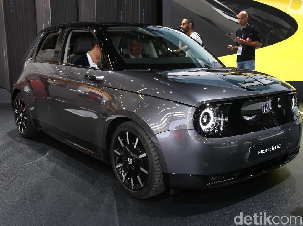 Mobil Listrik Honda Desain Jadul Rp 451 Juta, Oke Tidak?