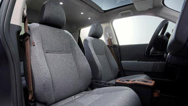 Interior Honda e mampu menampung empat penumpang dewasa.