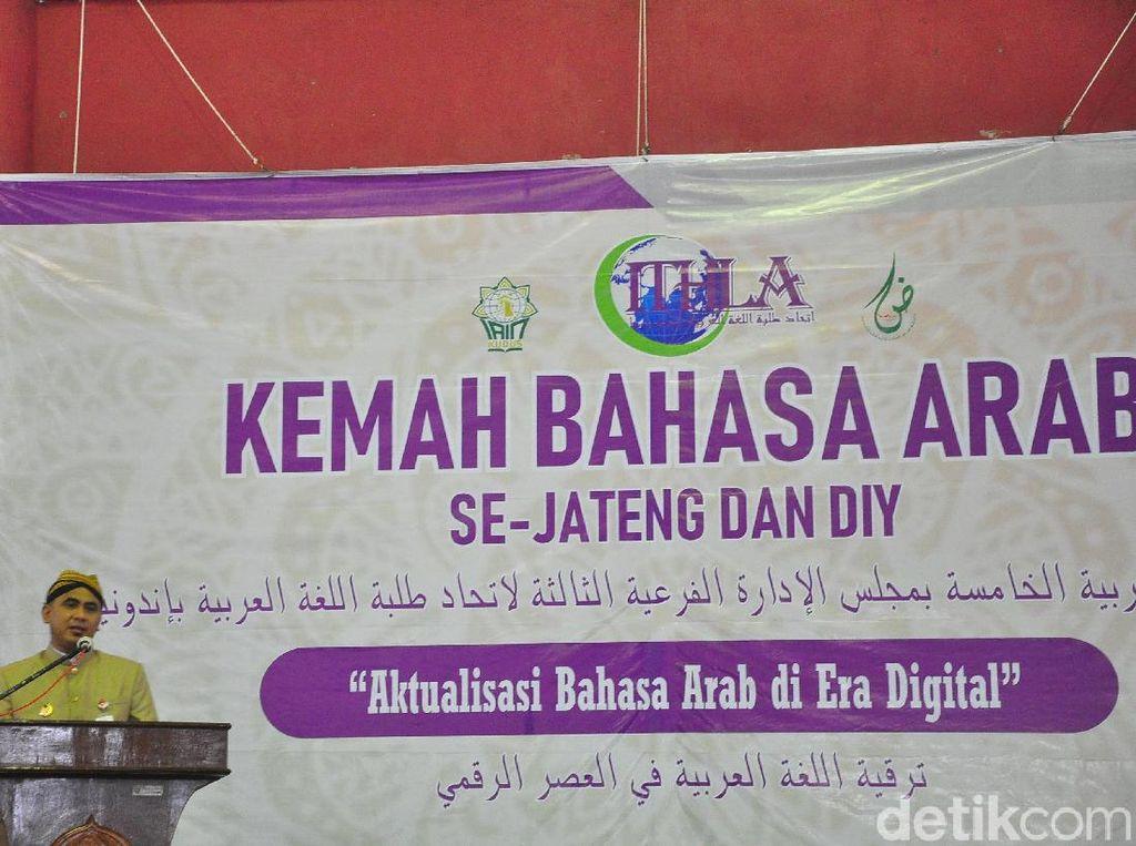Gaya Wagub Jateng Berpidato 3 Bahasa di Pembukaan Kemah Bahasa Arab