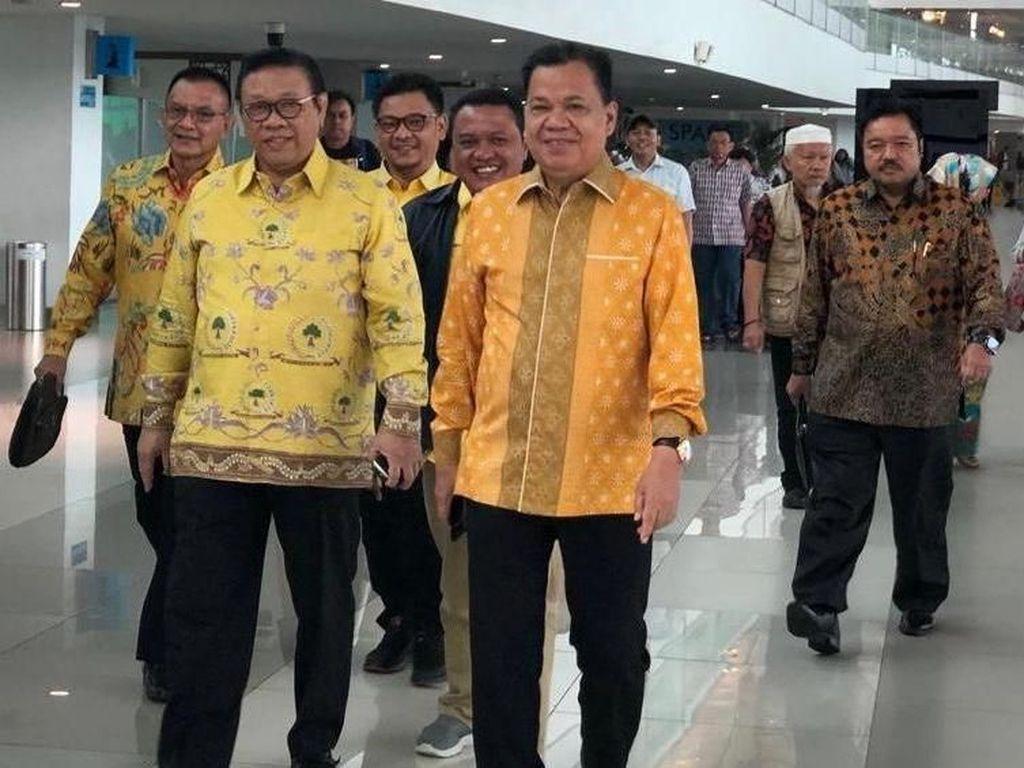 Agung Laksono Minta Jangan Ada Elite Politik Obok-obok Ormas Golkar