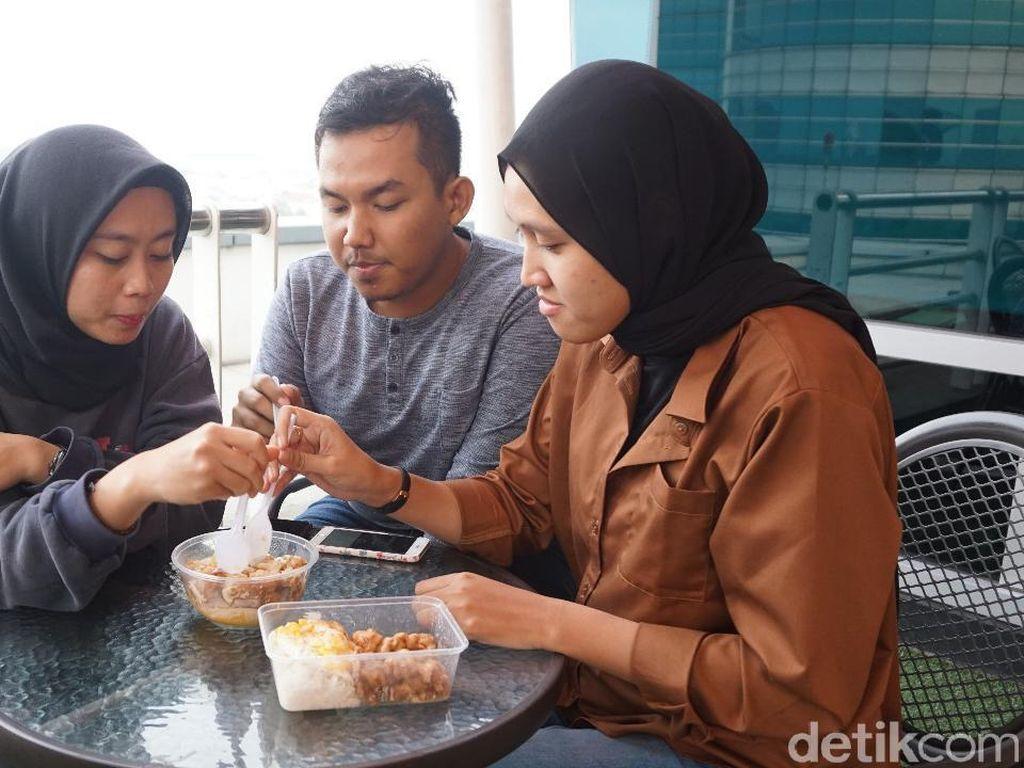 Adu Rasa Tiga Salted Egg Chicken Terpopuler di Jakarta