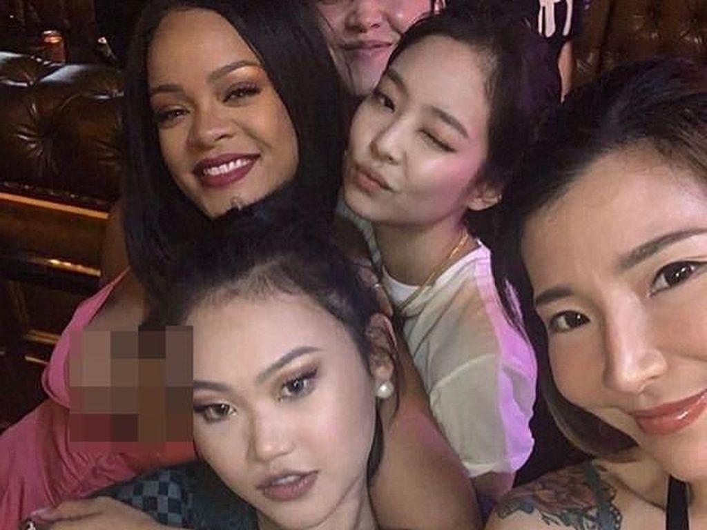 Rihanna Bertemu Jennie Blackpink di Seoul, Penggemar Heboh