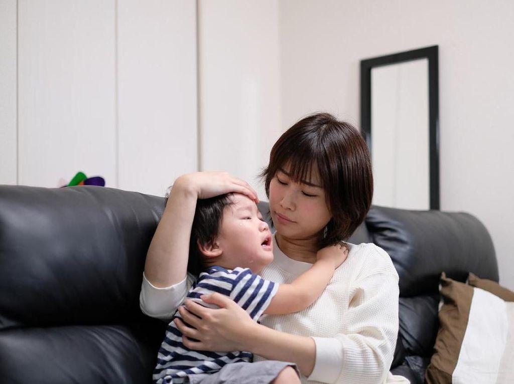 Perlu Tahu! 4 Kemungkinan Penyebab Benjol di Belakang Kepala Anak