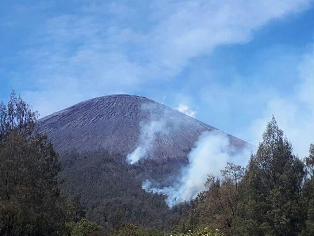 Pagi Ini, Api di Gunung Semeru Mulai Mengecil