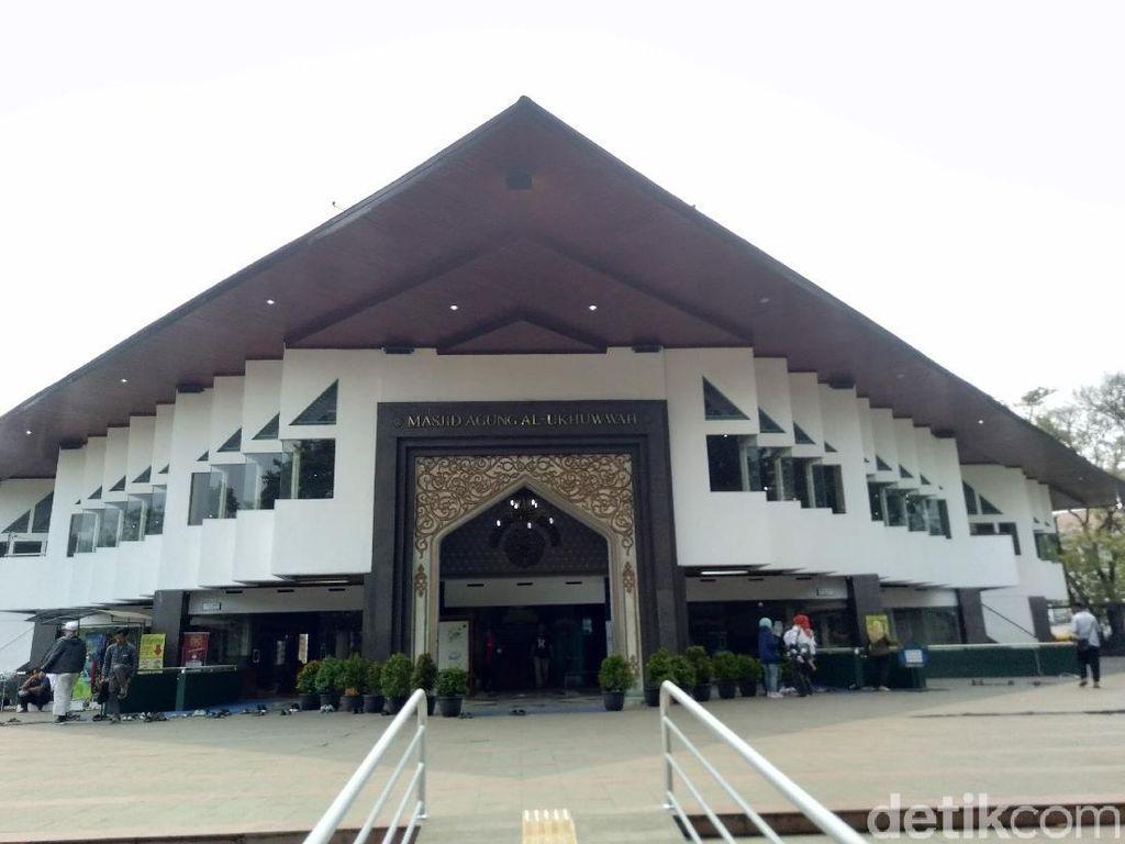 Sejarah Masjid Al Ukhuwah: Dulu Disebut Gedung Setan Freemason