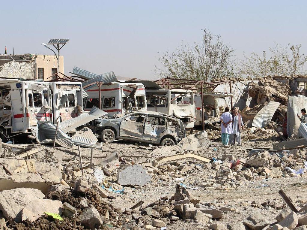 Bom Truk Taliban Meledak di Dekat Rumah Sakit Afghanistan, 20 Orang Tewas