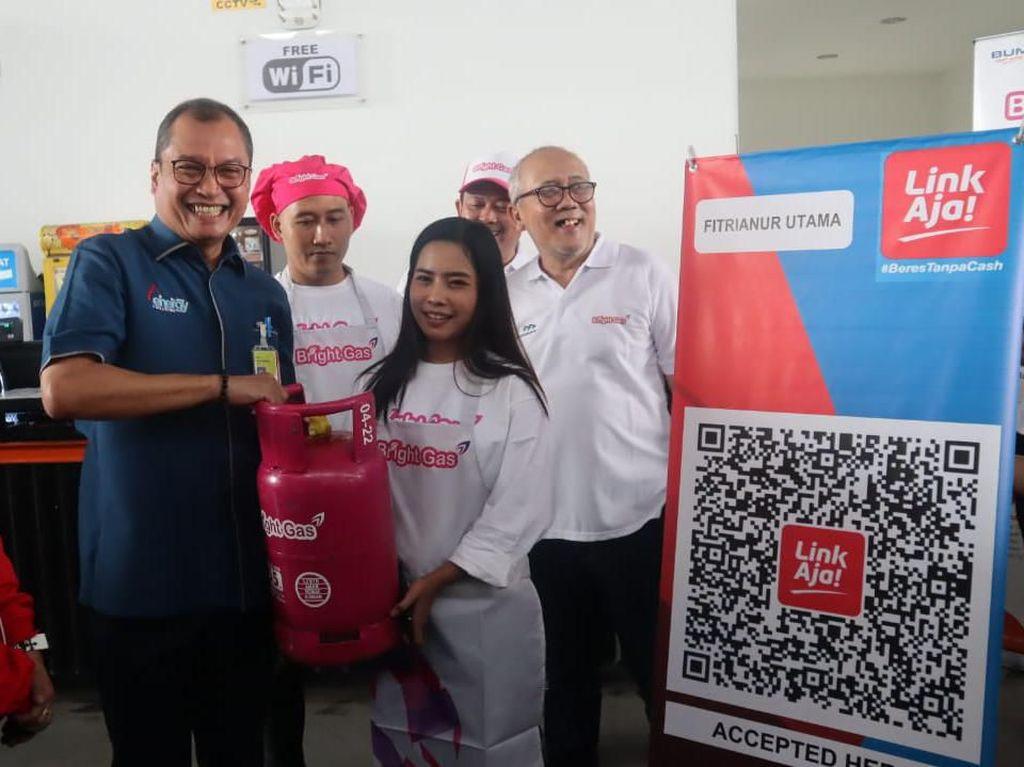 Pujasera di Rest Area Jagorawi Beralih Gunakan Tabung LPG Pink