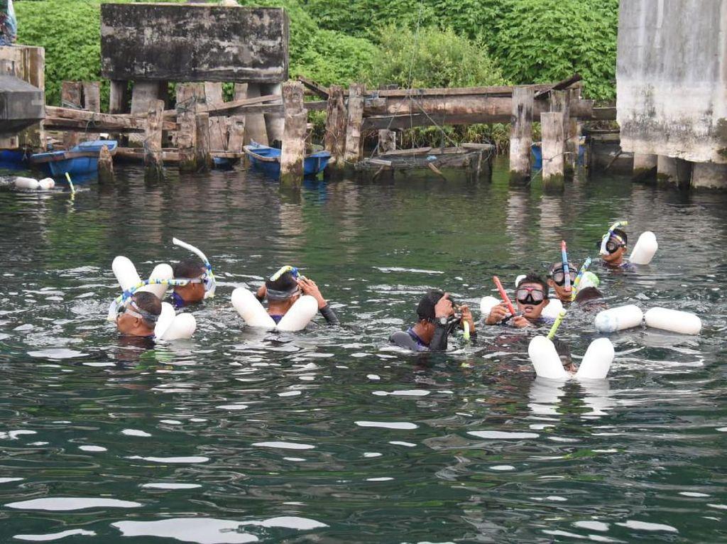 Saat TNI Buktikan Danau Toba Aman Buat Wisatawan