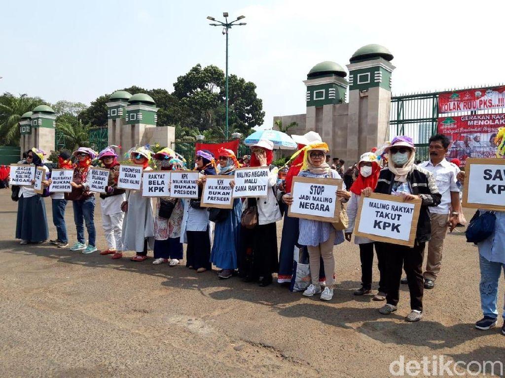 Ada Demo Emak-emak di DPR, Begini Rekayasa Lalu Lintasnya