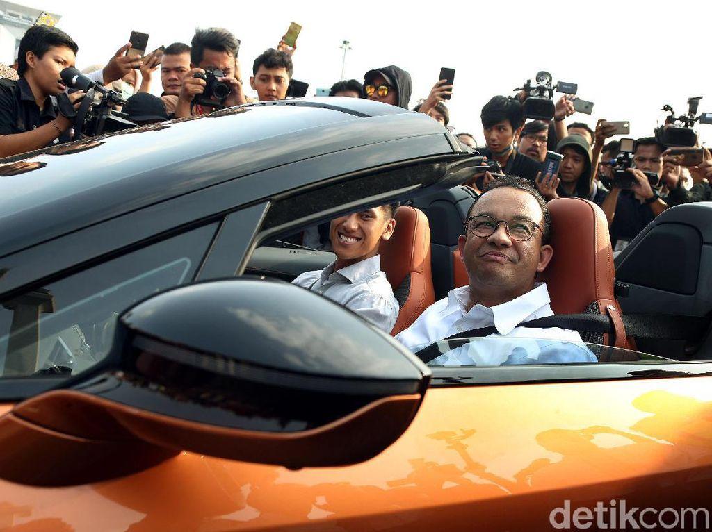 3 Tahun Anies di DKI: Pajak Mobil Listrik Gratis sampai Wajib Uji Emisi Motor-Mobil