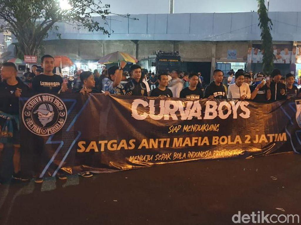 Satgas Anti Mafia Bola Pantau Laga Persela Vs Arema FC