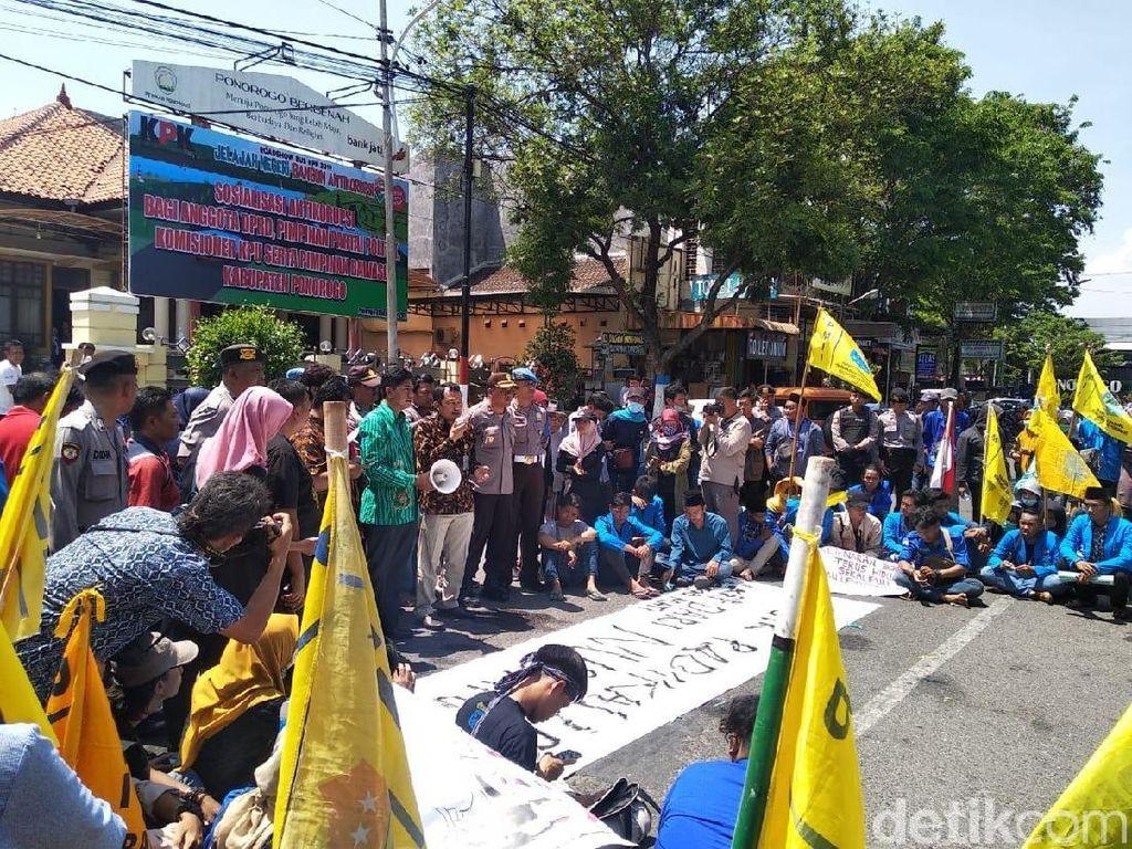 Roadshow KPK di Ponorogo Disambut Demo Mahasiswa