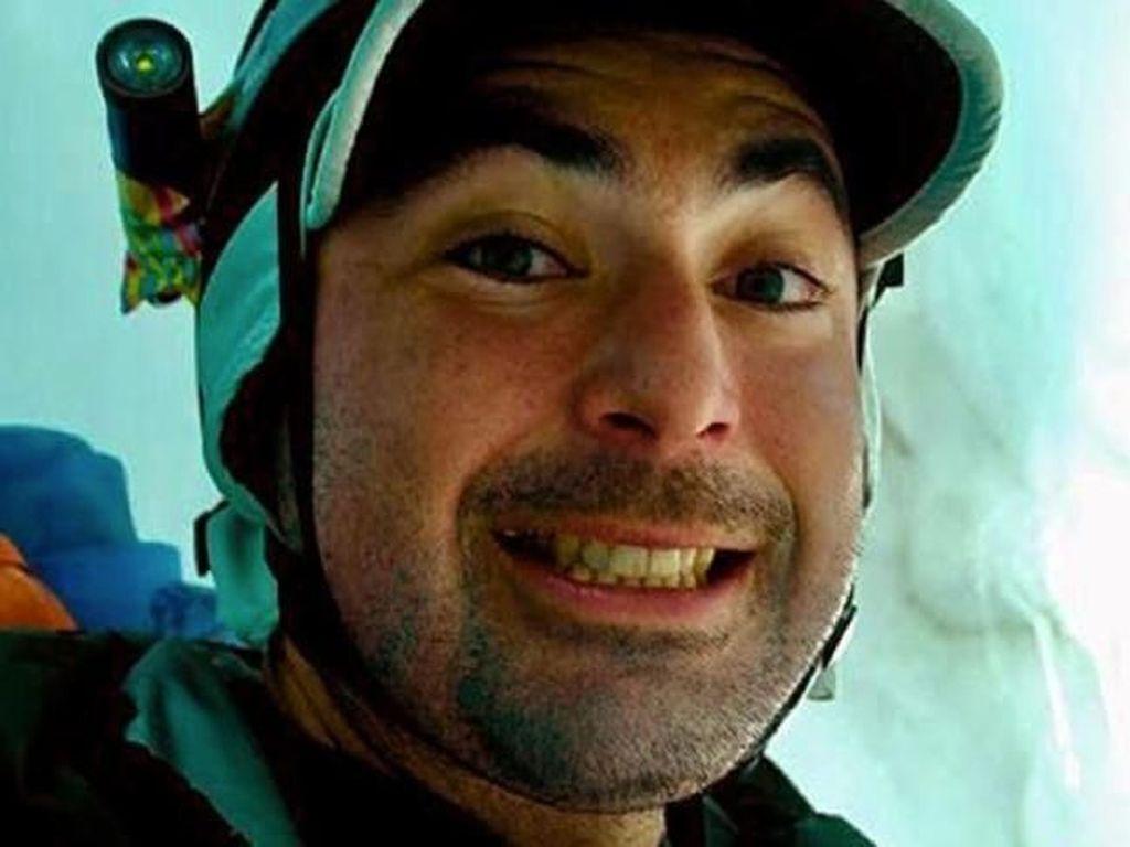 Kisah Mengerikan pada Foto Selfie Pendaki Ini