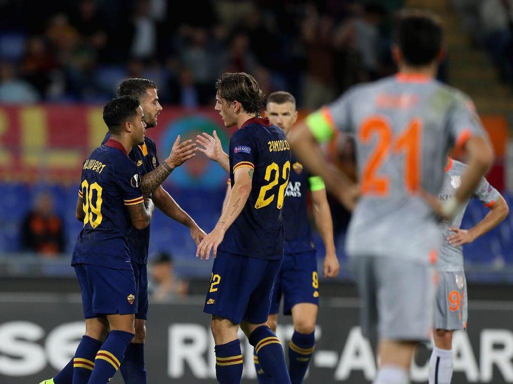Hasil Liga Europa: Roma Bungkam Istanbul Basaksehir 4-0