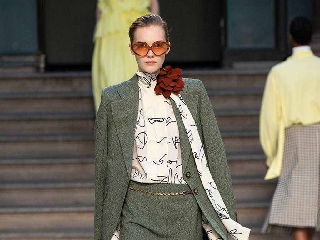 15 Karya Victoria Beckham, Brand Paling Berpengaruh di London Fashion Week